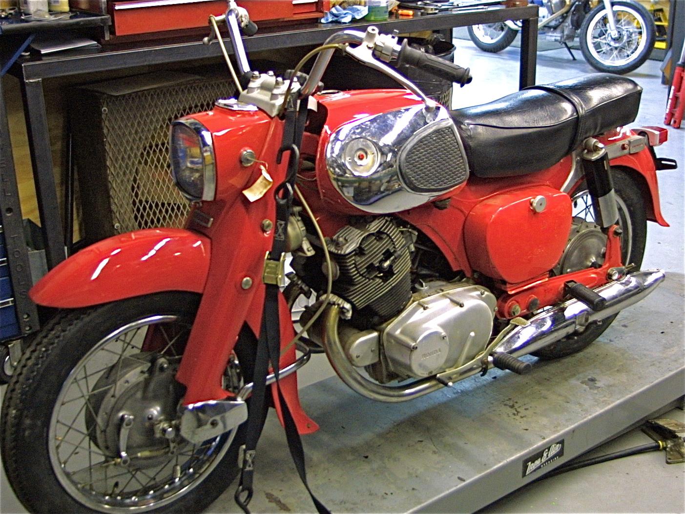 Vintage Honda At Revival Cycles 1960s Honda 305 Dream